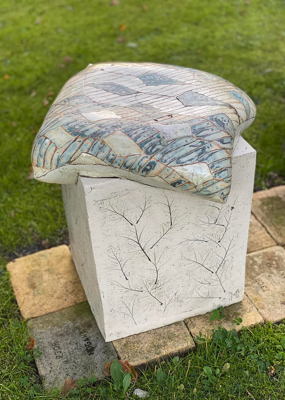 Seating-sculpture-clay-siddemoeble-pudestol-stentoejsler-3-12-engholm-michelsen